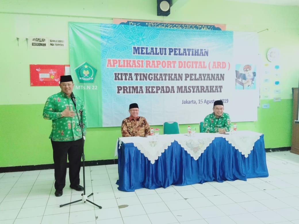 Pembinaan Guru dan Karyawan MTs Negeri 22 Jakarta dalam pengembangan Aplikasi Rapor Digital